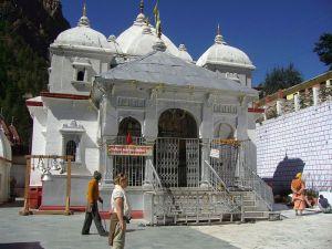 800px-Gangotri_temple