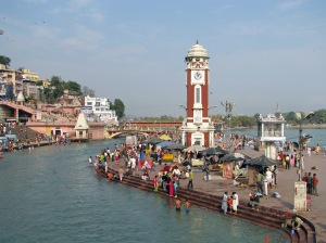 Clock_Tower,_at_Har-ki-Pauri,_Haridwar