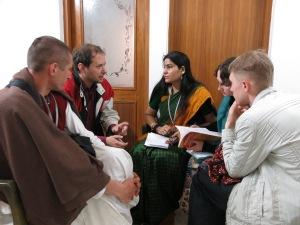 Фото с профессором Мирутского университета. Вриндаван.
